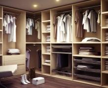 Наполнение гардеробной: выкатные сетчатые элементы, полки, вешало, ящики