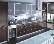Линейная кухня, фасады рамочные TSS, стекло сатин, ал. профиль